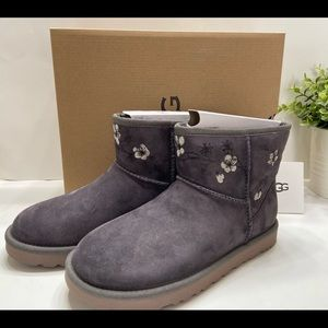 NEW Ugg Classic Mini Blossom Floral Suede Women's Winter Ankle Boots Gray Size 7